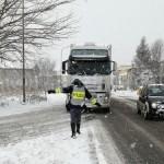 Deviazione mezzo pesante per neve